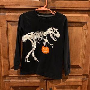 Carters dinosaur Dino bones glow in dark shirt 5T
